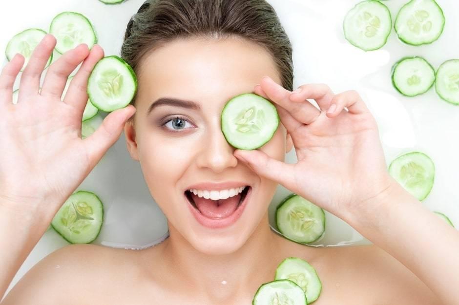 Nyári arcápolási szokások a ragyogó arcbőrért